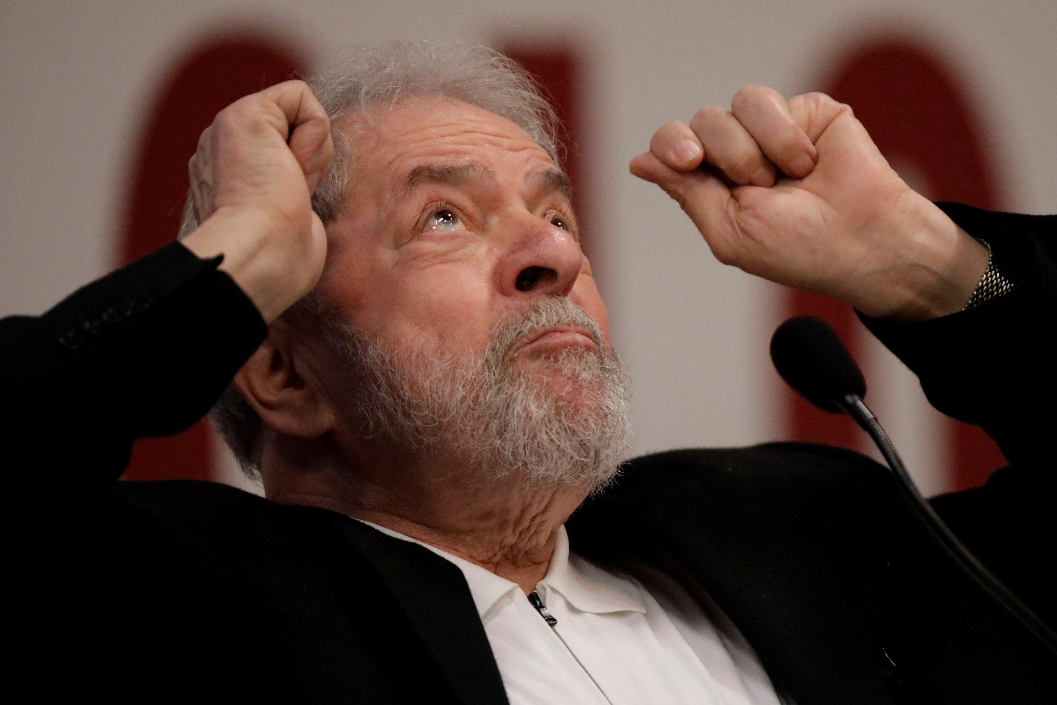 Mas a dúvida é outra: em que data a defesa de Lula usou o dado certo, do desbloqueio ou do registro?