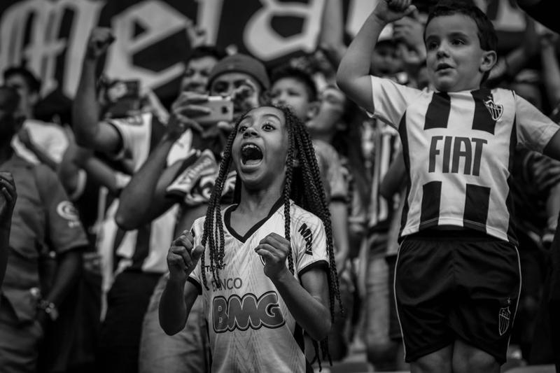 A torcida do Atlético acredita e se mobiliza pelo título brasileiro, mas é preciso que Thiago Larghi também acredite.