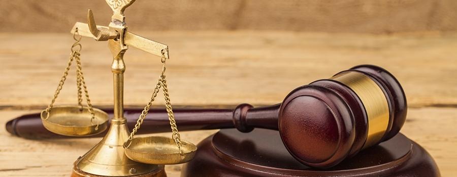 Também alguns doutrinadores que considera a imparcialidade do juiz, como componente da jurisdição, ou seja, o juiz deve ser independente com relação às partes.