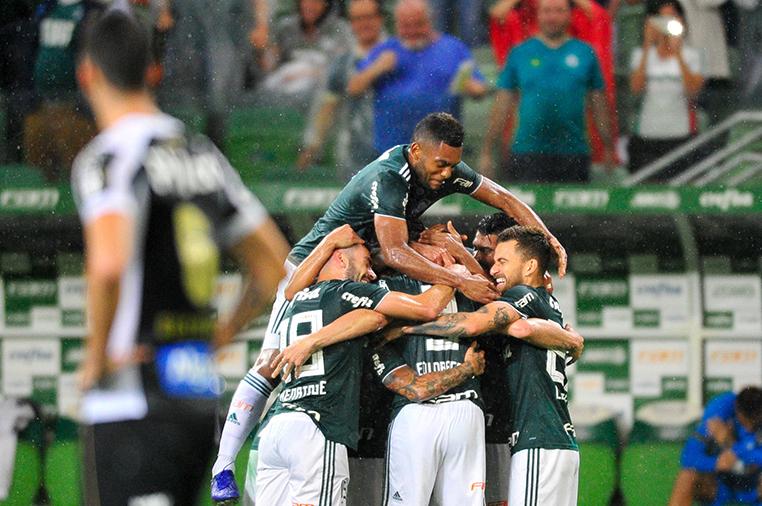 A importante vitória no clássico contra o Santos deixou o Verdão ainda mais perto do título.
