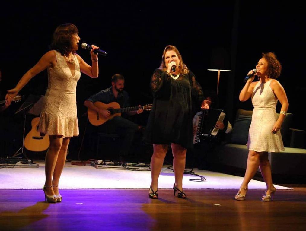 Da esquerda para a direita, Ivone Lopes, Ana Leal e Ana Proença. Juntas formam o Trio Amarilis.
