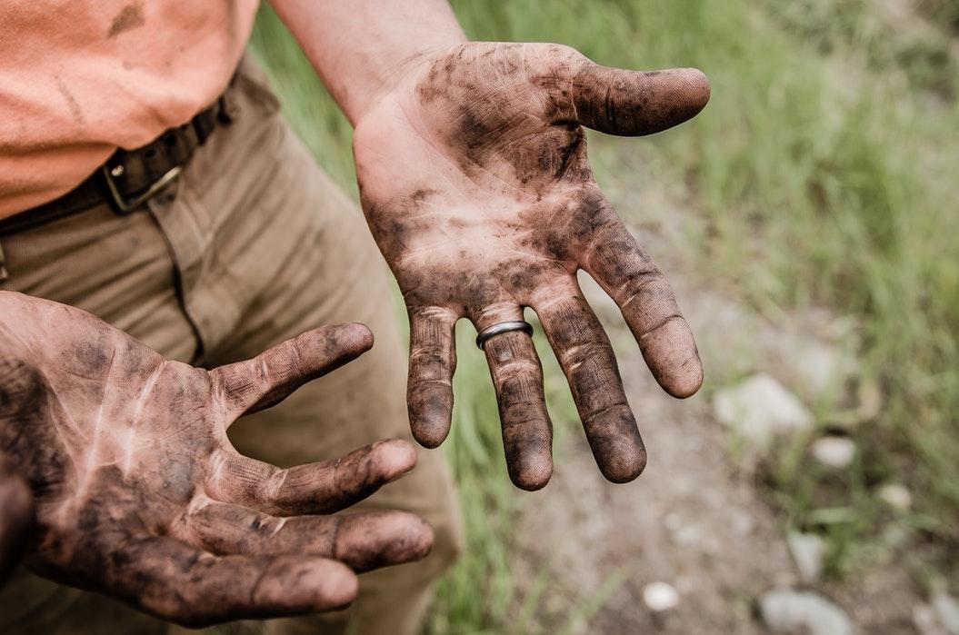 É preciso retomar o significado do trabalho, inspirando-se nos ensinamentos de Jesus, operário por excelência.