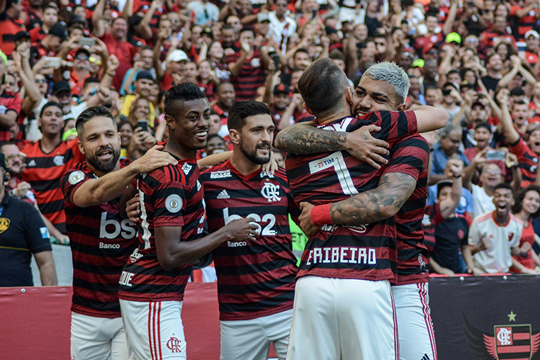 O milionário Flamengo deve ter vários jogadores convocados por seleções na Copa América 2020, prejudicando o clube.