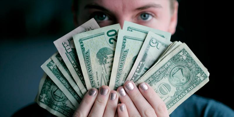 O dinheiro tem força para desencadear compulsões e exercer domínios tão ou mais esmagadores que os desequilíbrios advindos da esfera afetivo-sexual.
