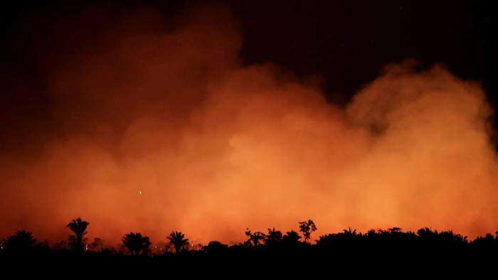 A política de preservação da Amazônia acabou entrando em discussão, prós e contras.