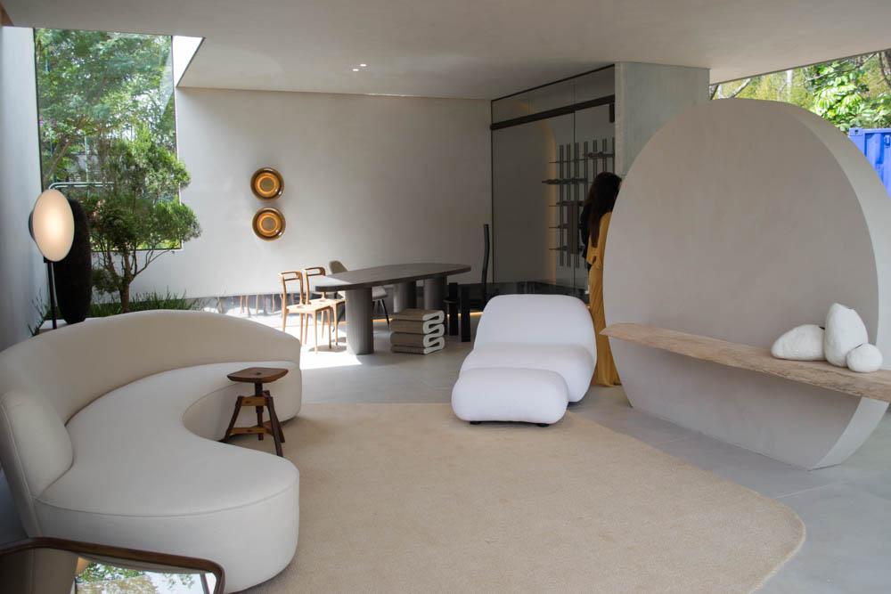 Sala das Palmeiras, do Estúdio Sala, conjuga exterior e interior num ambiente aberto à natureza, mas que ainda abriga um jardim de inverno.