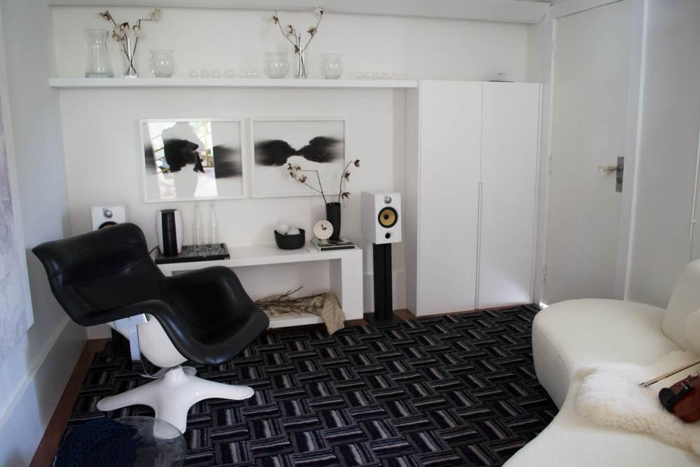 Igor Zanon flerta com o minimalismo e com o hygge na Sala de Música.