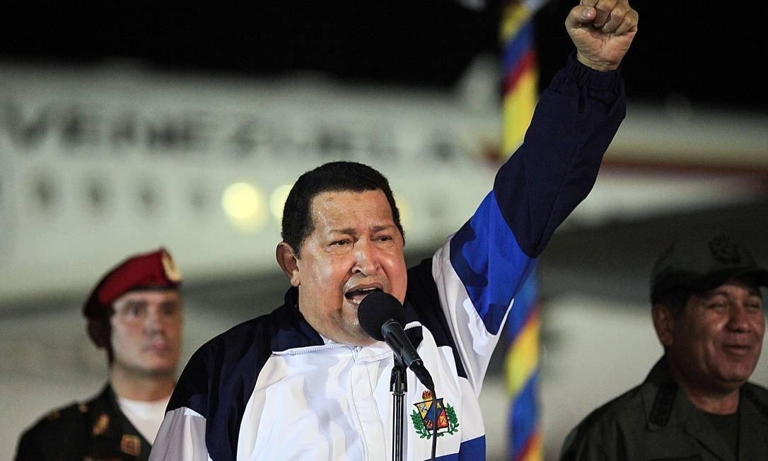 """Na Presidência, Hugo Chávez, taxou seus críticos de """"inimigos"""" e """"traidores"""" da pátria, uma tática para se manter no poder"""
