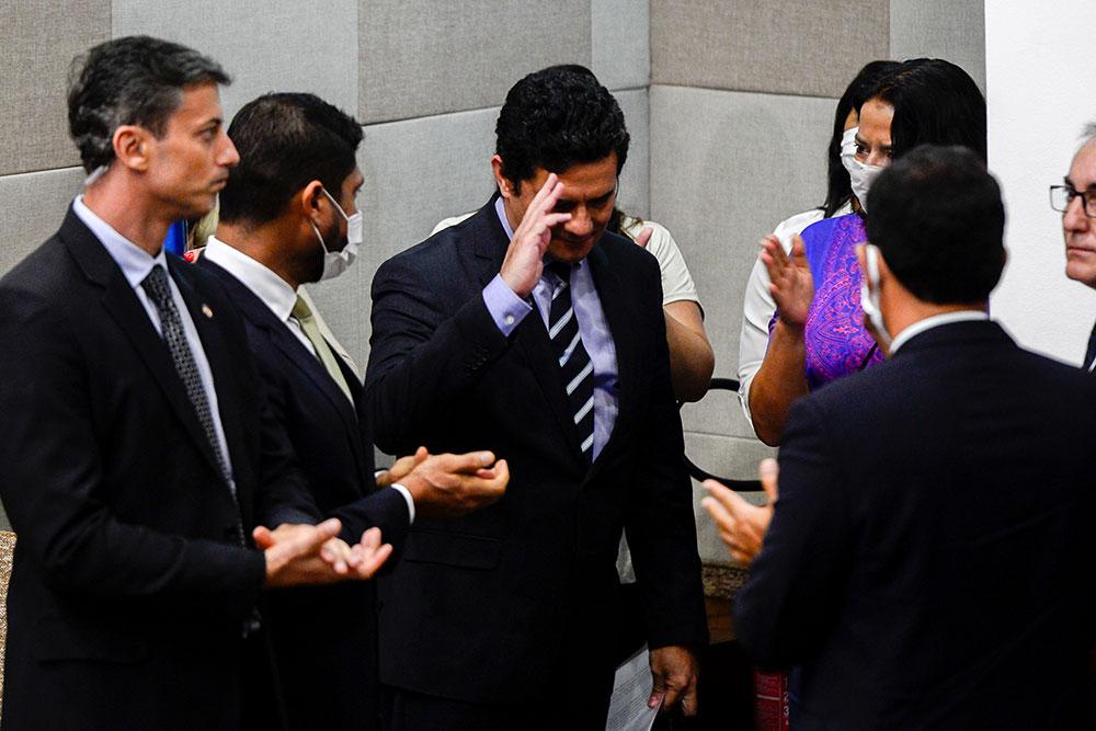 Sérgio Moro comunica sua demissão durante fala à imprensa