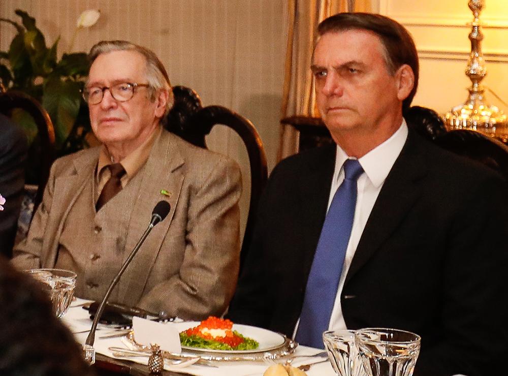 Mentor do 'gabinete do ódio', Olavo acusou o presidente de prevaricação