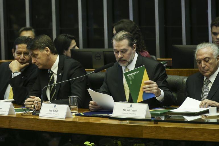 O então presidente eleito Jair Bolsonaro, o presidente do STF, Dias Toffoli, e o presidente Michel Temer participam no Congresso Nacional da sessão solene em comemoração aos 30 anos da Constituição Federal em 2018