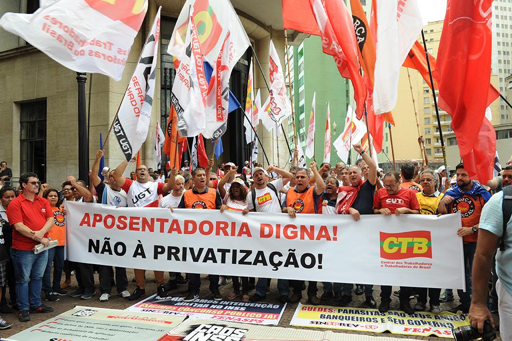 Centrais Sindicais realizaram em 14 de fevereiro o Dia Nacional de Mobilização Contra o Desmonte do INSS