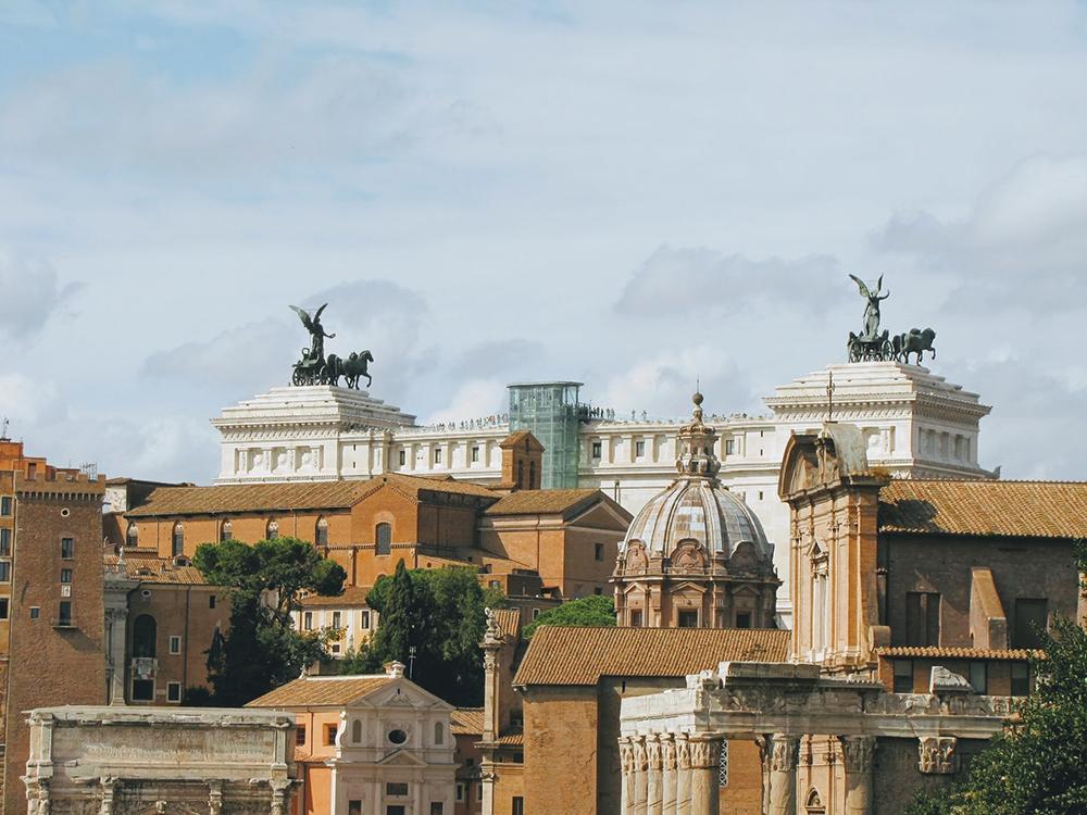 Há hoje uma grande oportunidade para a humanidade pensar fora da caixa romana.