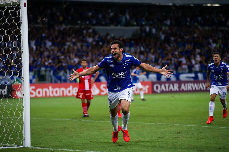Passagem de Fred pelo Cruzeiro foi marcada por contusão grave, títulos e rebaixamento