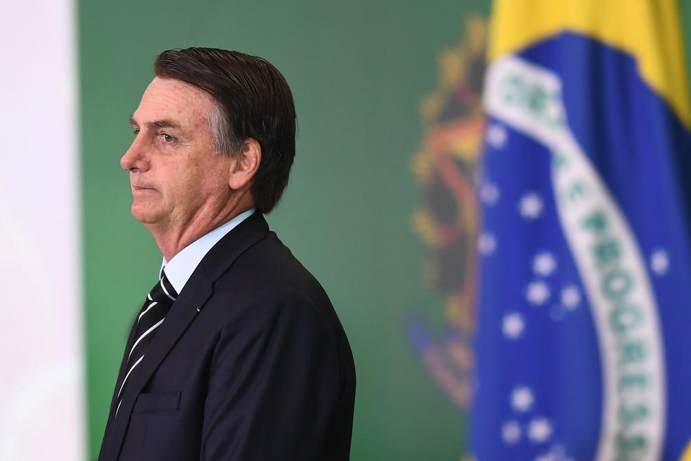 Mal tomou posse, o atual governante deu início à sua campanha para a reeleição e ao aparelhamento político-ideológico do Estado