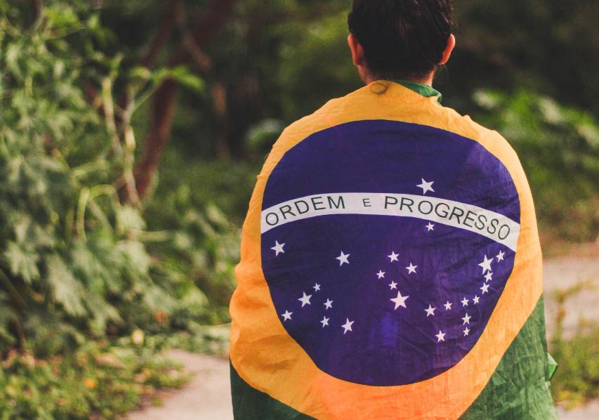 A sociedade brasileira, com suas instituições e segmentos, precisa se dedicar à recomposição de sua realidade sociopolítica