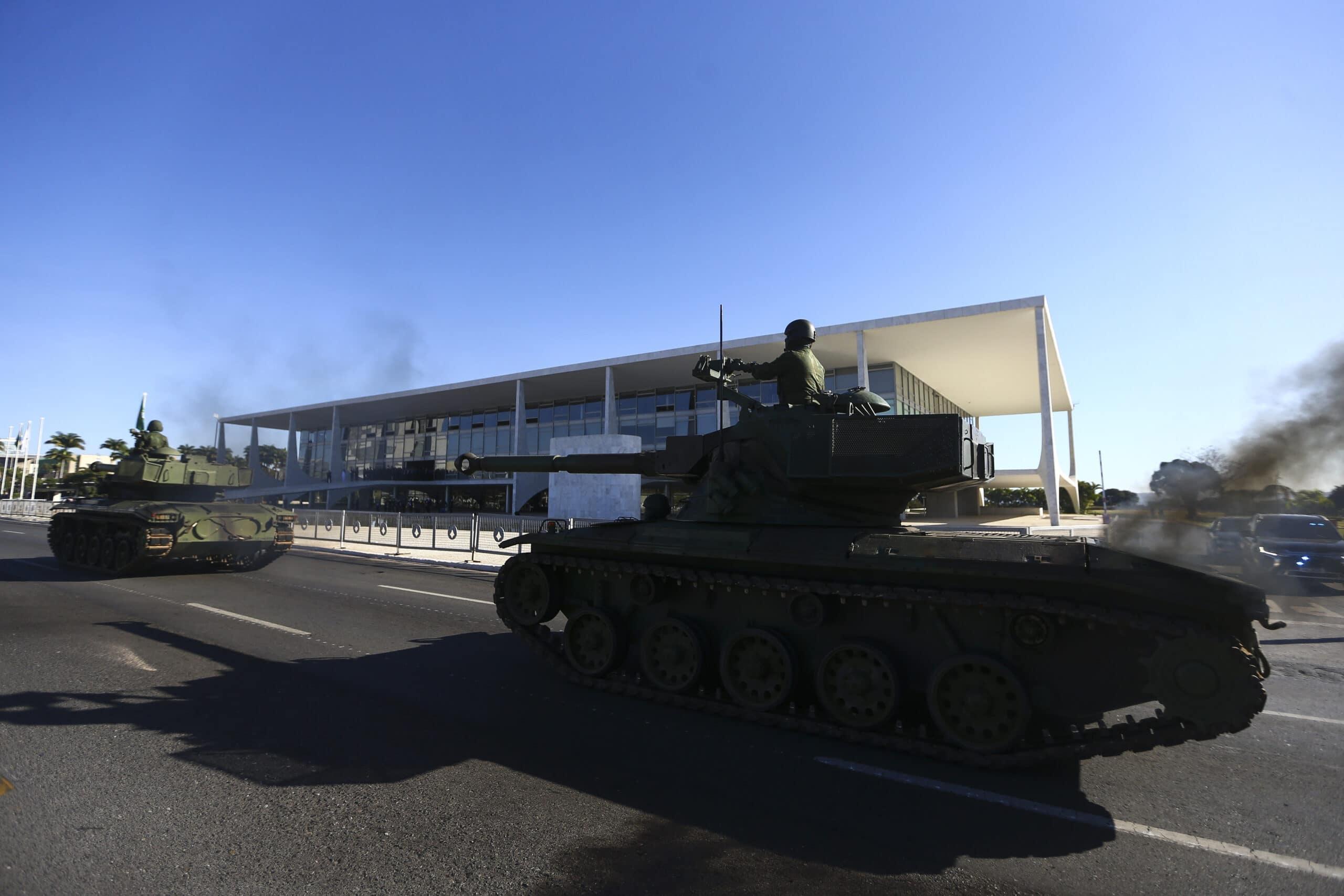 A tanquesseata serviu para mostrar o péssimo estado dos blindados nacionais