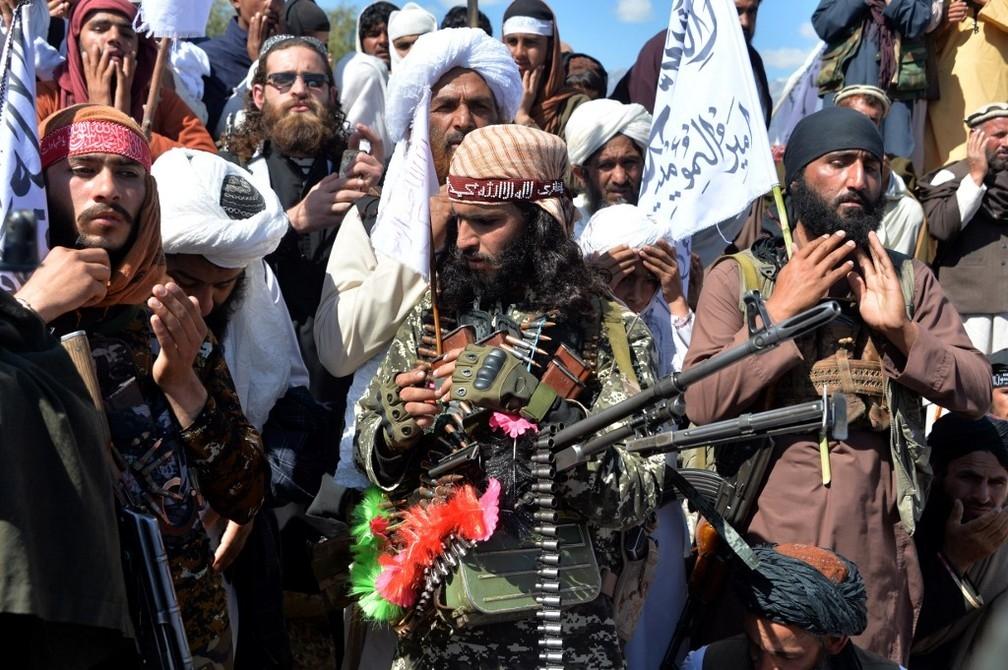 Grupo fundamentalista islâmico Talibã tomou o poder no Afeganistão após 20 anos