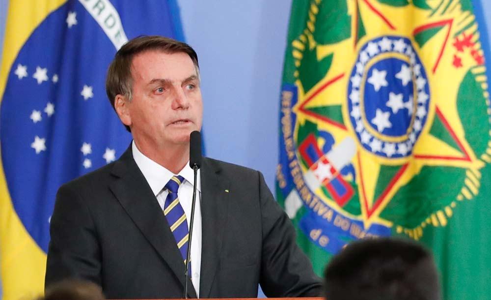 Avaliação de Bolsonaro caiu oito pontos. Hoje é rejeitado por 53% dos eleitores