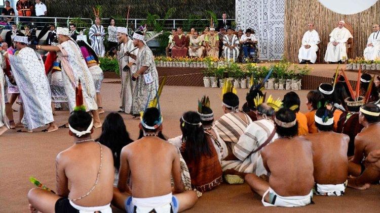 Encontro do Papa com populações indígenas em Puerto Maldonado, Peru