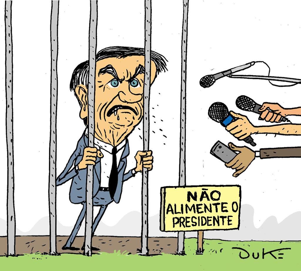 Bolsonaro usando a imprensa