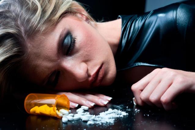 A maioria dos casos de overdose tem sido causada pela droga sintética K2 ou Spice.
