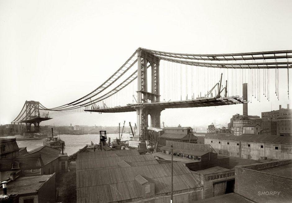 View of Manhattan Bridge from Brooklyn in 1909