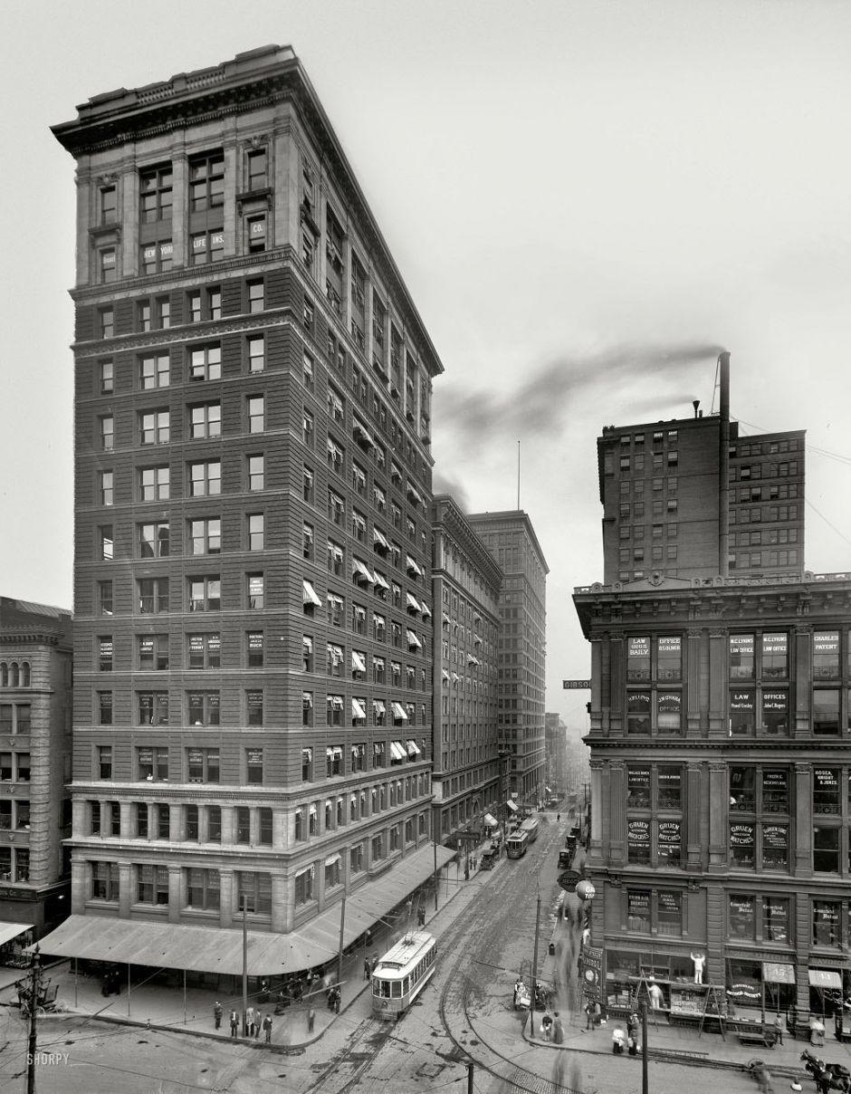 Valnut Street, Cincinnati, Ohio, 1910