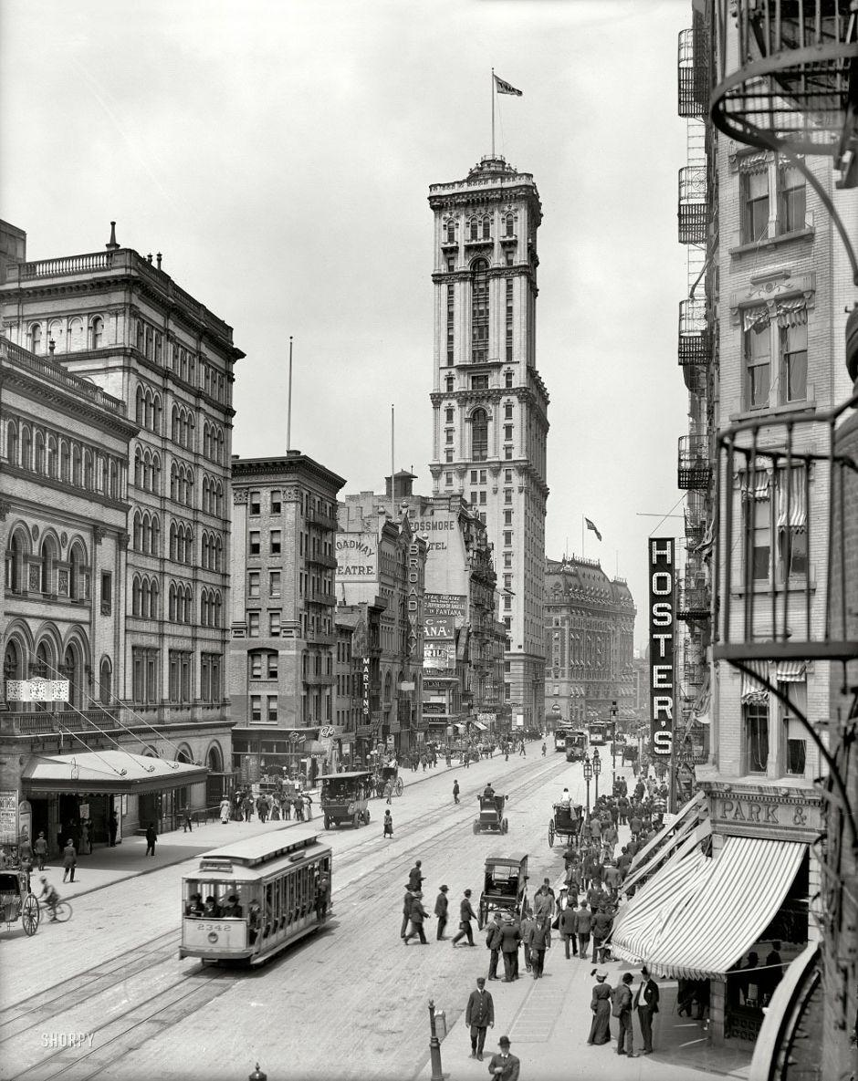 Broadway, The Times building in background, New York,1915