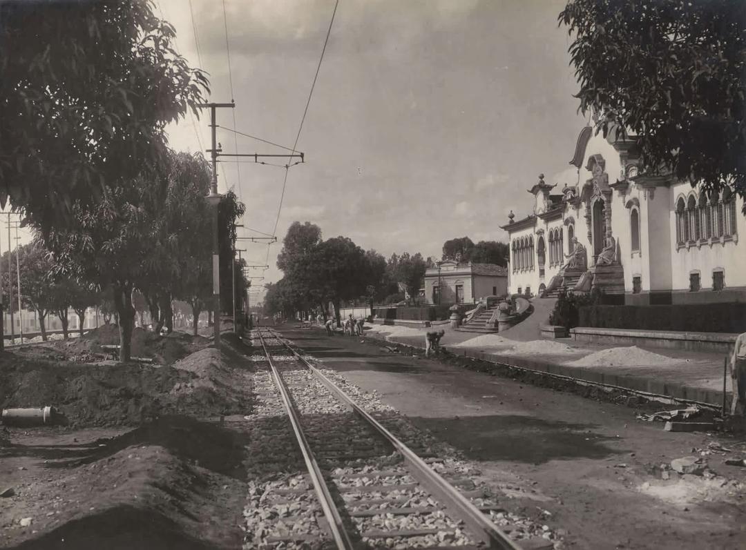 Calçamento da av Alfredo Balena na década de 1940