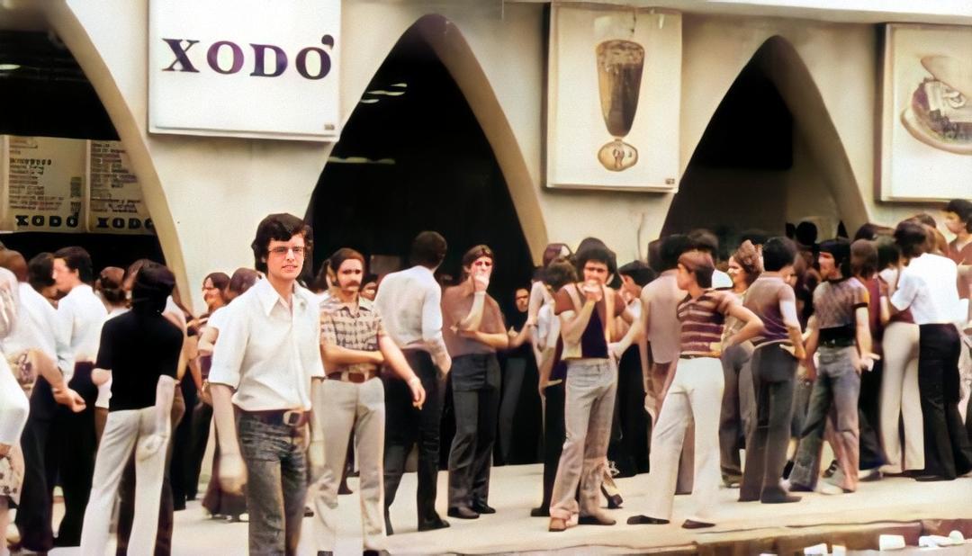 Lanchonete Xodó, praça da Liberdade, 1972