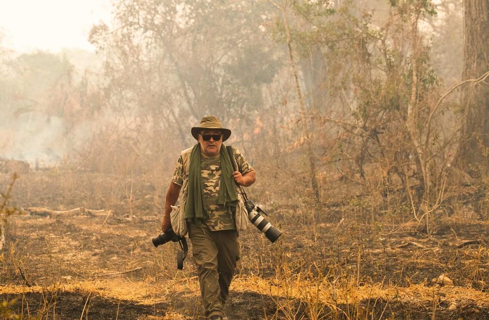Fotógrafo Araquém Alcântara registra as queimadas no Pantanal  para o portal G1
