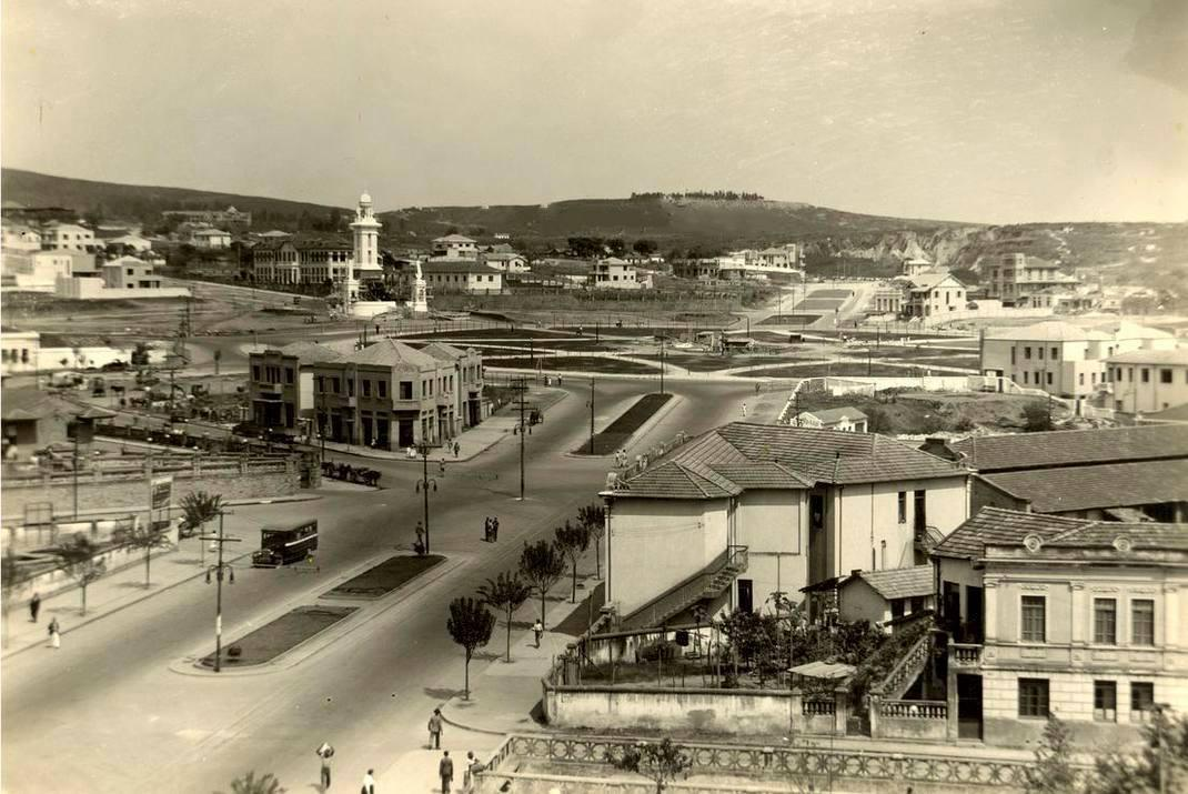 Av. Amzonas no sentido Praça Raul Soares, 1913