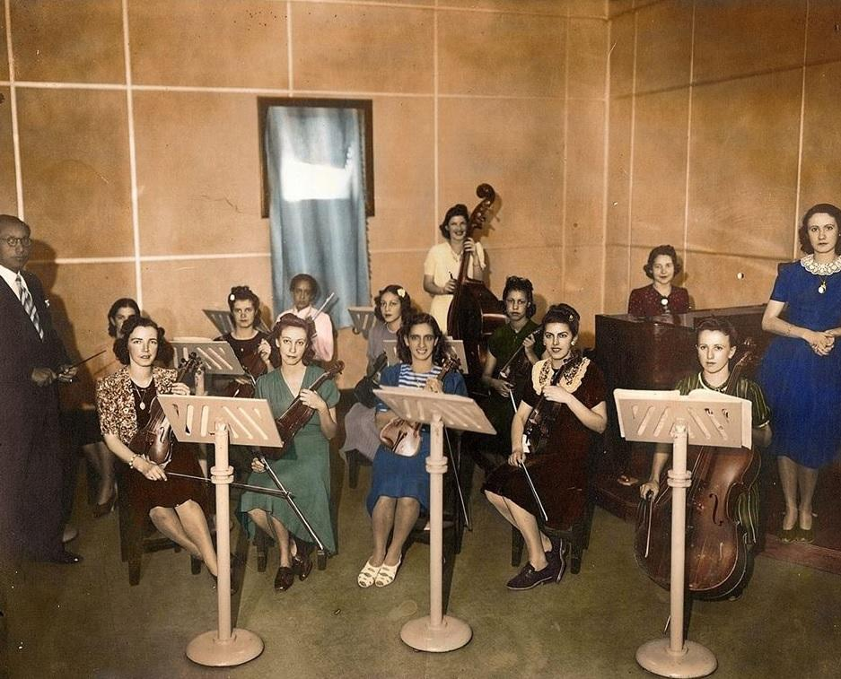 Orquestra Mineira Feminina, Radio Inconfidência, década de 40