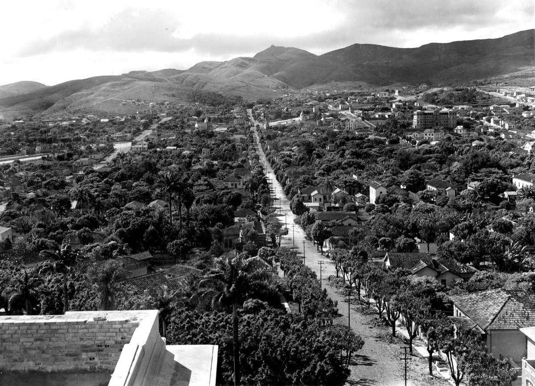 Rua Cláudio Manoel vista da Praça da Liberdade, 1928