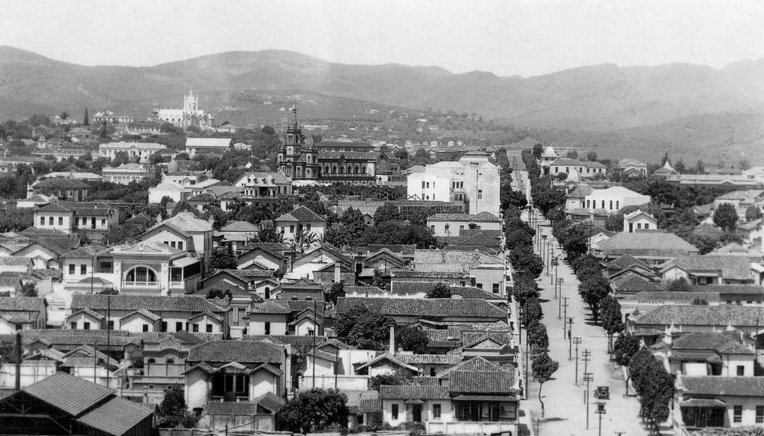 Rua Rio de Janeiro vista da Praça da Estação, anos 1920