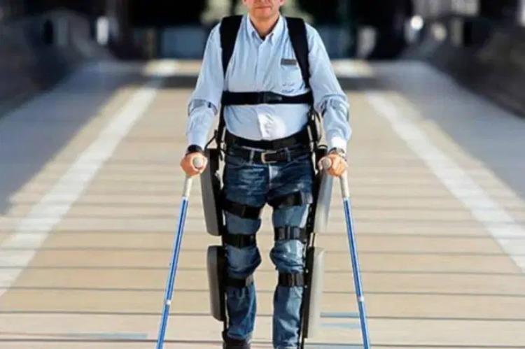 O exoesqueleto foi desenvolvido como um auxílio dos profissionais da saúde no tratamento das vítimas de AVC