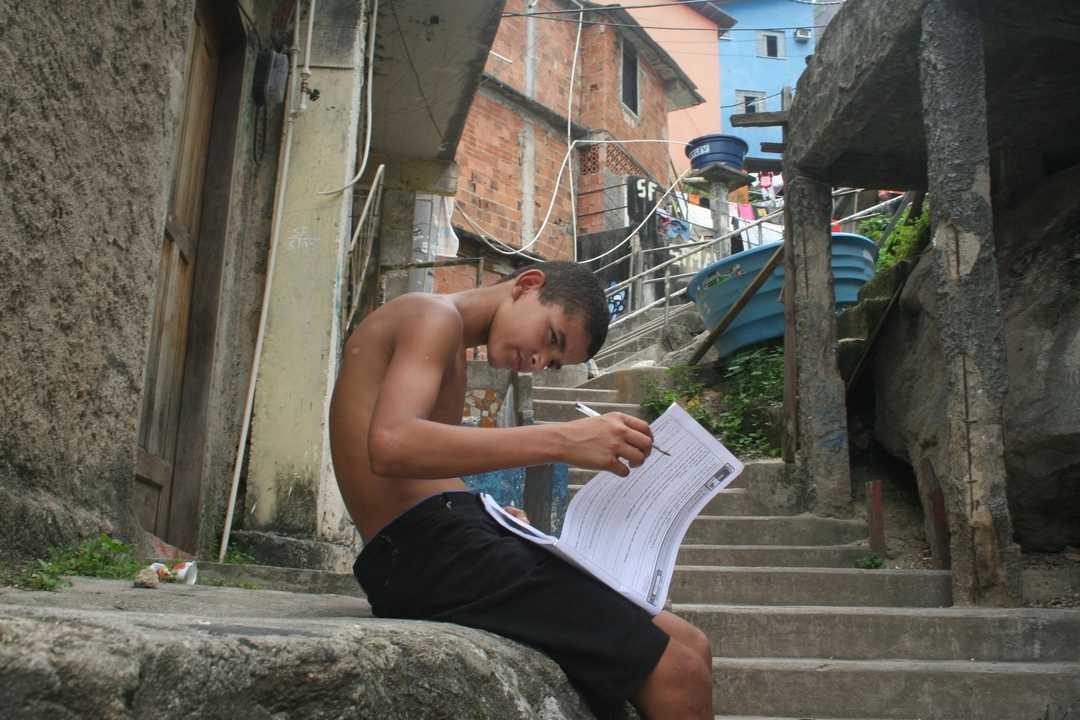 Hora de estudar no Dona Marta