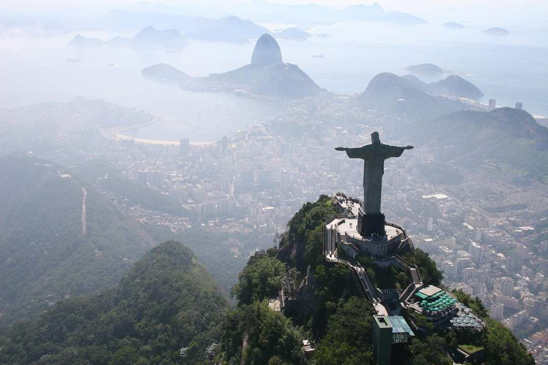 O Cristo e a enseada de Guanabara