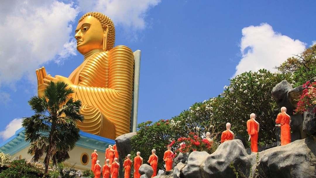 Buda Dourado em Dambulla, Sri Lanka