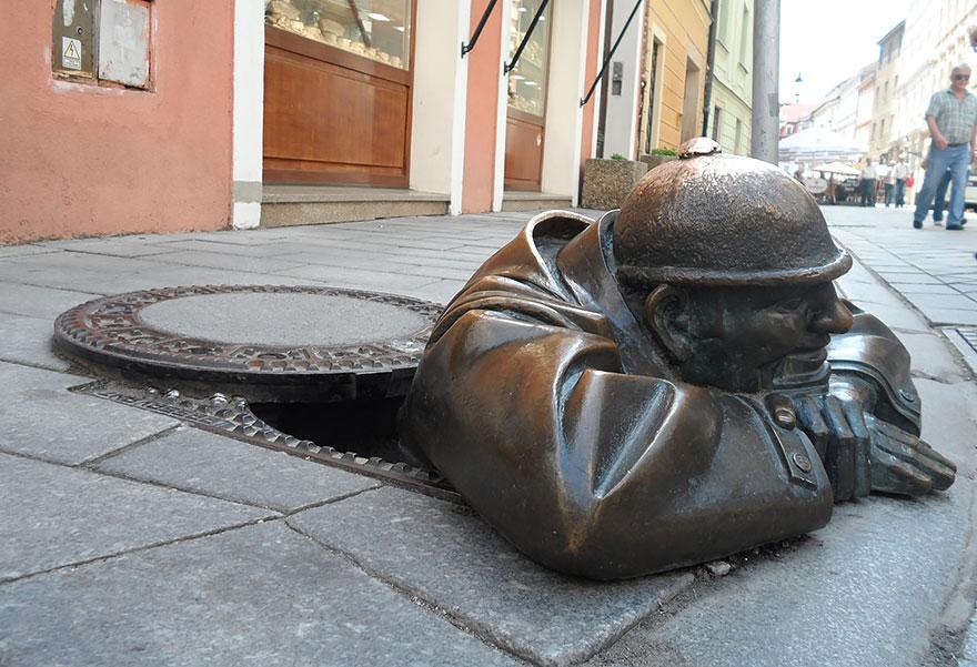 Homem Trabalhando, Eslováquia