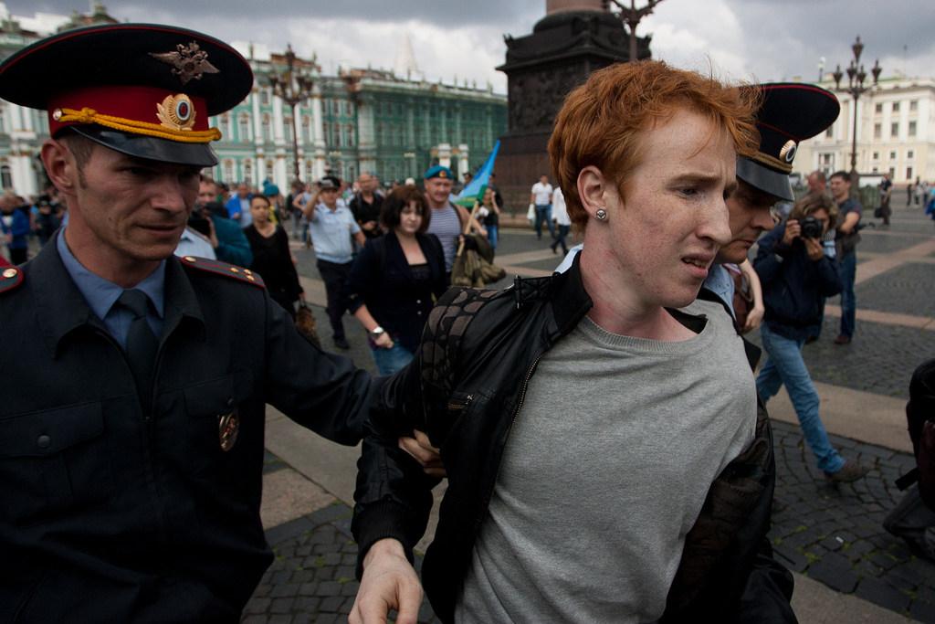 Preconceito chega a cidades liberais da Rússia, como São Petersburgo