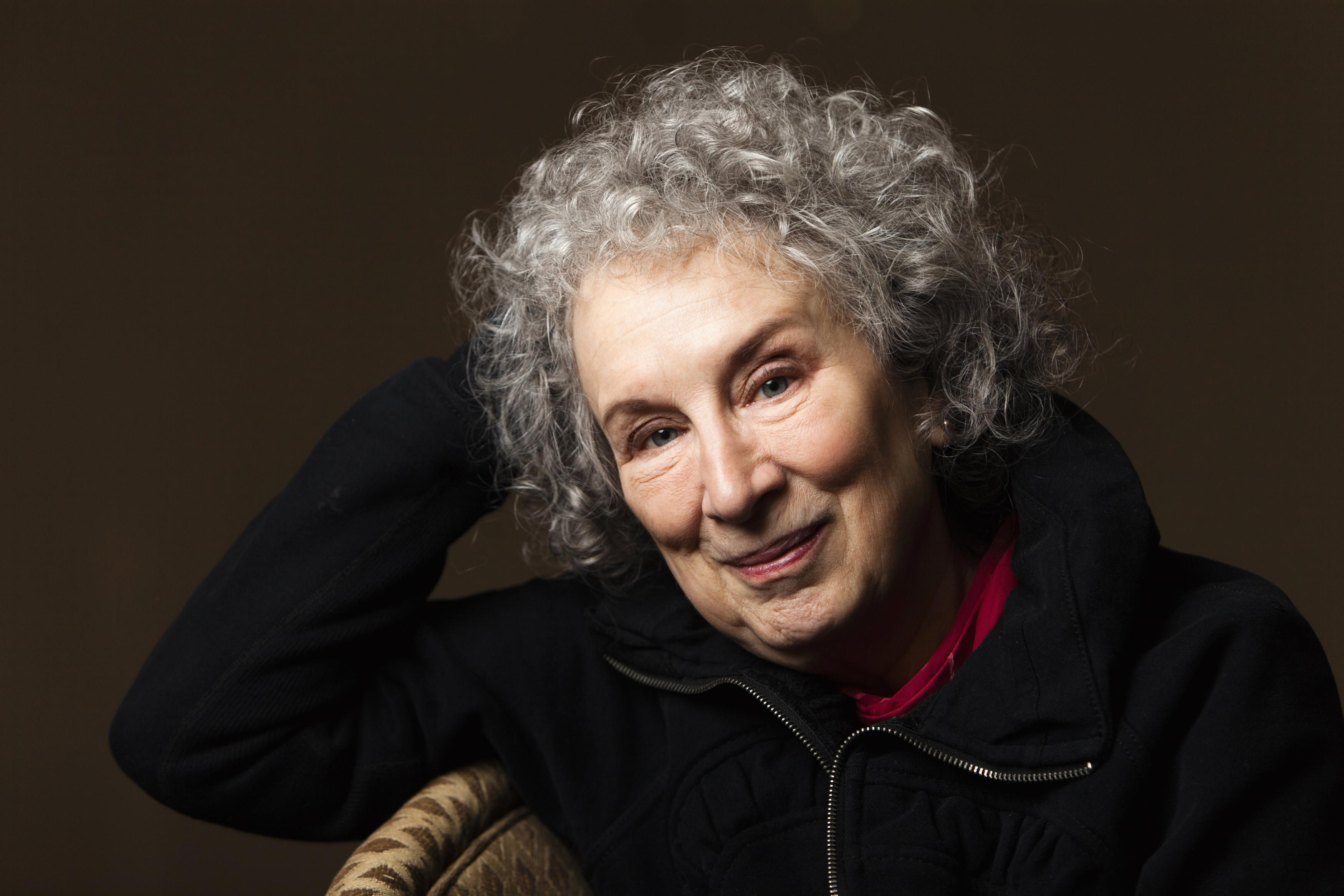 Com 60 livros publicados, a canadense Margaret Atwood começou sua carreira em 1969.