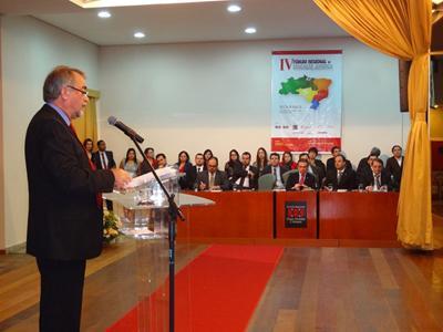 Rodolfo Hans Geller, presidente da CNEJ/OAB, discursa na cerimônia de abertura