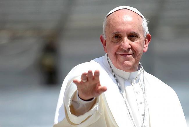 A profecia desceu do céu sobre a humanidade, personificada no Santo Padre, o Papa Francisco.