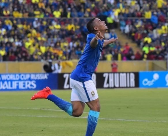 Gabriel Jesus comemora primeiro gol