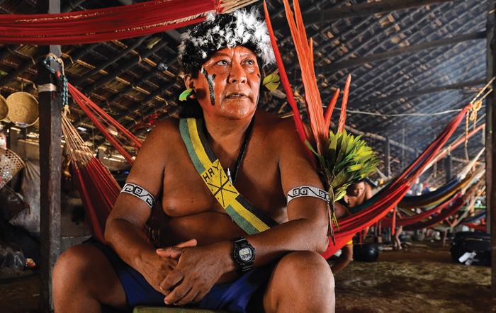 Em 'A queda do céu', Kopenawa nos oferece muito da sabedoria de seu povo. Devemos saber ouvi-la.
