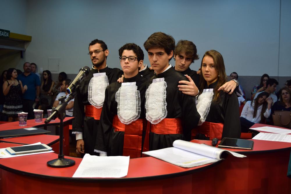 Equipe do México aguarda parecer dos jurados.