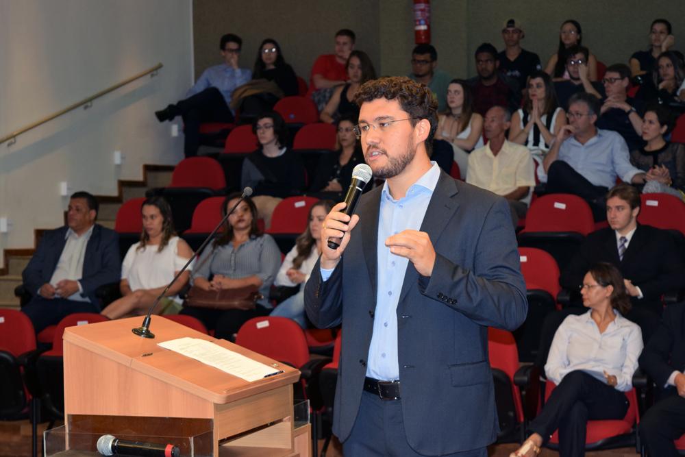 Professor Franclim Brito, presidente da comissão organizadora do TRI-e.