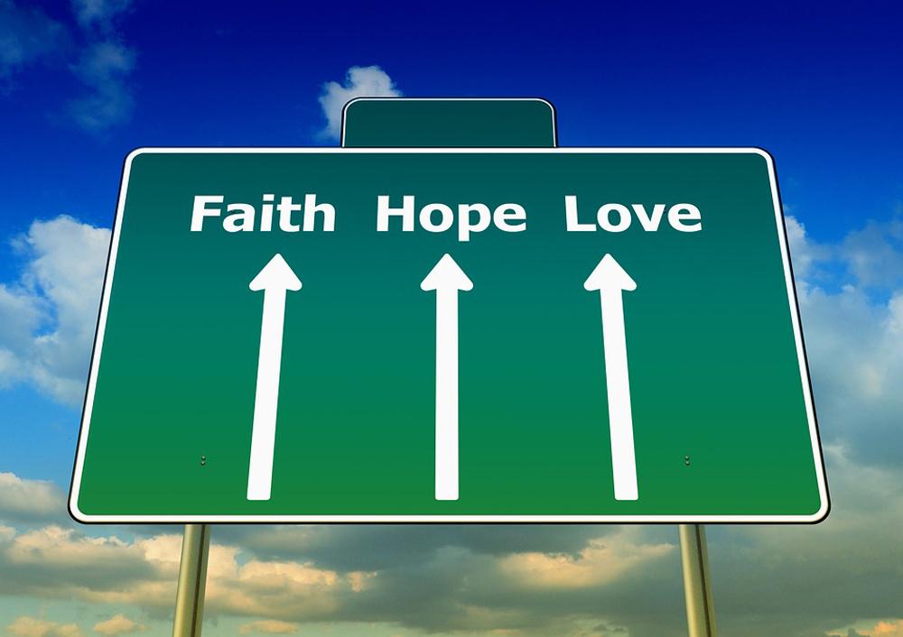 Acreditar na vida, em si e nos outros é atitude fundamentalmente humana e humanizadora.
